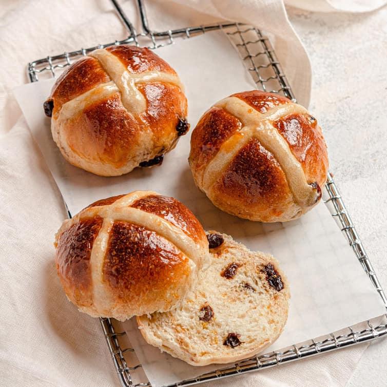 hot-cross-buns-7-square